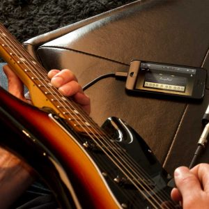 Connect-iPhone-to-Guitar_1600x