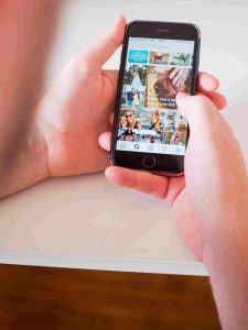 how to hide photos on iphone